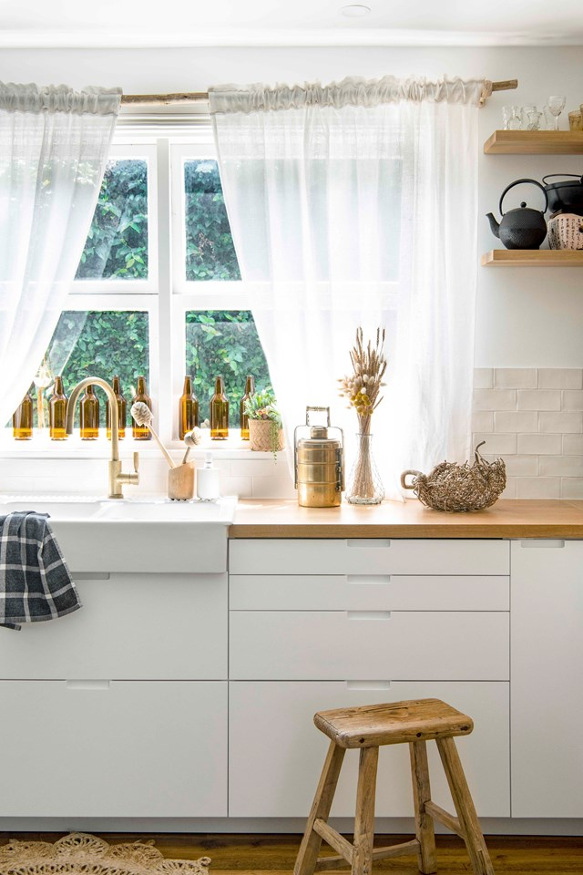 "Keep the heart of your home looking in tip-top shape with these essential [kitchen cleaning tips >](https://www.homestolove.com.au/kitchen-cleaning-tips-10117|target=""_blank"")"