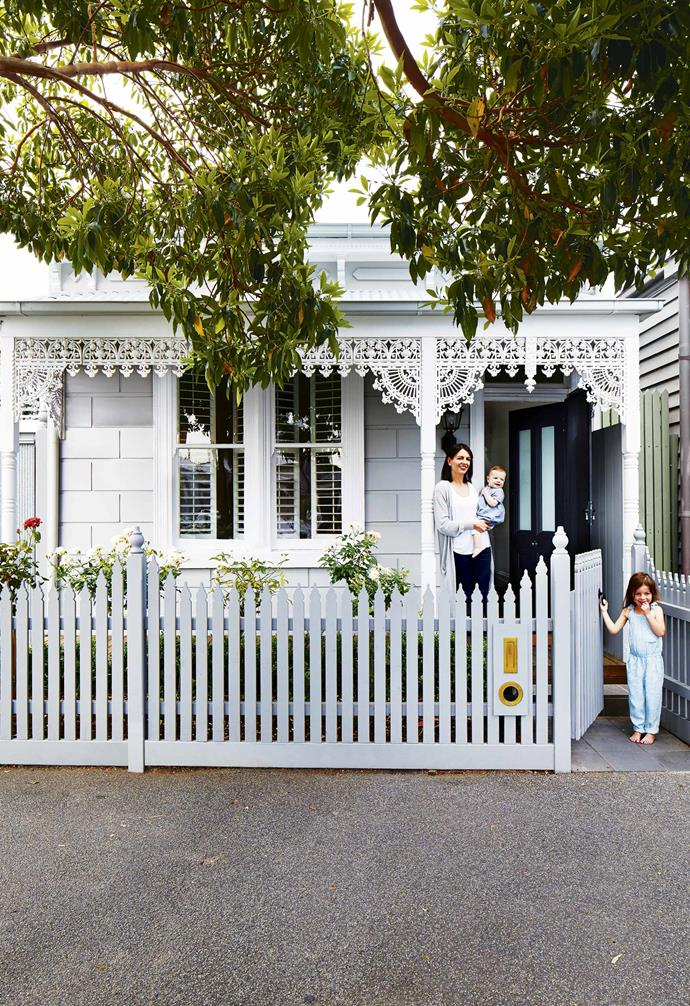 "Who said picket fences all had to be white? This [revamped Victorian-era home](https://www.homestolove.com.au/scandi-style-glass-house-extension-17515|target=""_blank"") retains its original facade which has been given a new look courtesy of a fresh coat of paint. Opting to paint the decorative eaves in stark white, a softer grey was chosen for the home's front fence to create a softer look."