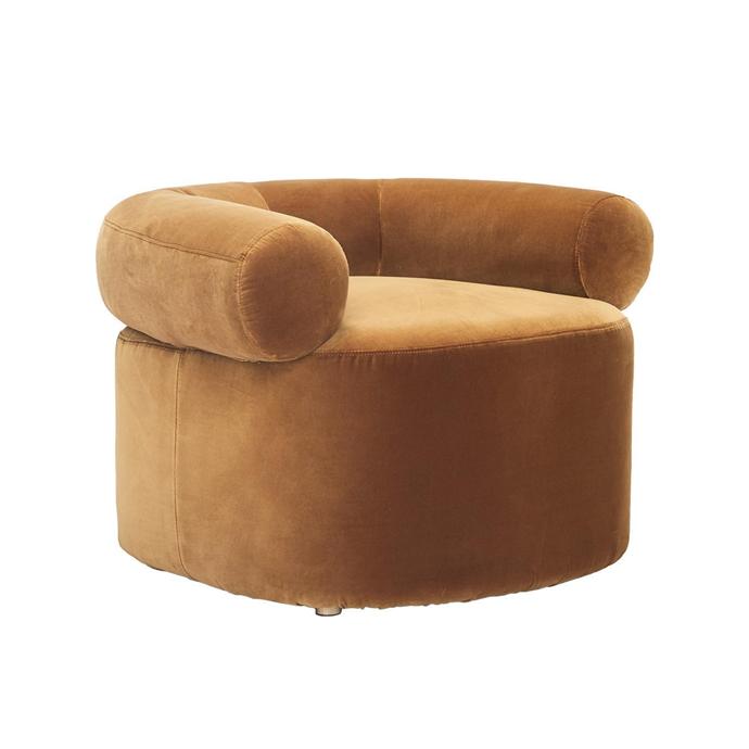 """Sarah Ellison 'Huggy' velvet chair, $1595, [Life Interiors](https://www.lifeinteriors.com.au/sarah-ellison-huggy-velvet-chair-caramel target=""""_blank"""" rel=""""nofollow"""")"""