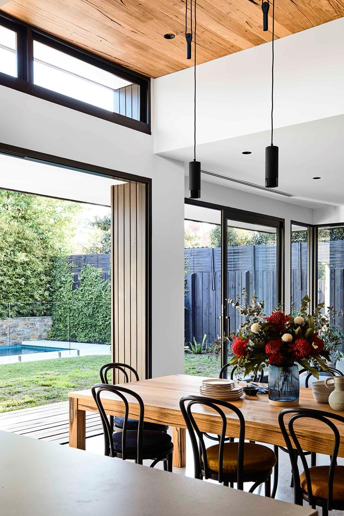 """A dramatic 3.3-metre ceiling defines the [dining zone](https://www.homestolove.com.au/dining-rooms-5533