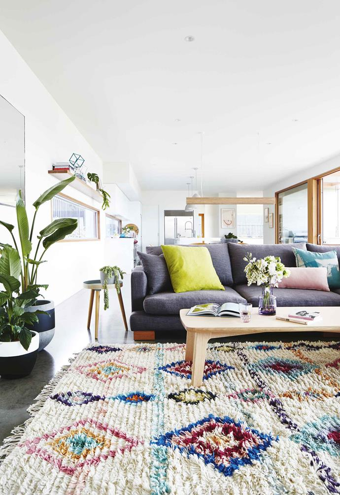 ">> [A contemporary beach house renovation in Torquay](https://www.homestolove.com.au/contemporary-beach-house-torquay-17256|target=""_blank"")."