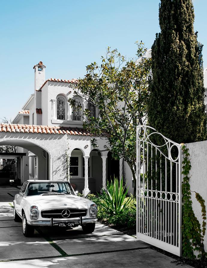 "The elegant architectural details throughout this [1920s Spanish Mission-style home](https://www.homestolove.com.au/renovated-spanish-mission-home-21178|target=""_blank"") and the epicurean delights of that very era informed its sophisticated renovation."
