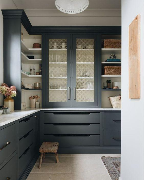 "This moodier but still aesthetically Hamptons [butler's pantry pinned by Greige Design](https://www.pinterest.com.au/pin/463167142931035328/?nic_v1=1aJ6%2F2pYe3saUP0HJo%2FLFgm4JR3NQy7biew5nNh165xpDLLz2S8IDpUnuNnNejImyQ|target=""_blank""
