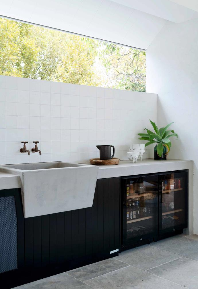 "**Outdoor kitchen** A polished concrete sink from [Brodware](https://brodware.com/|target=""_blank""