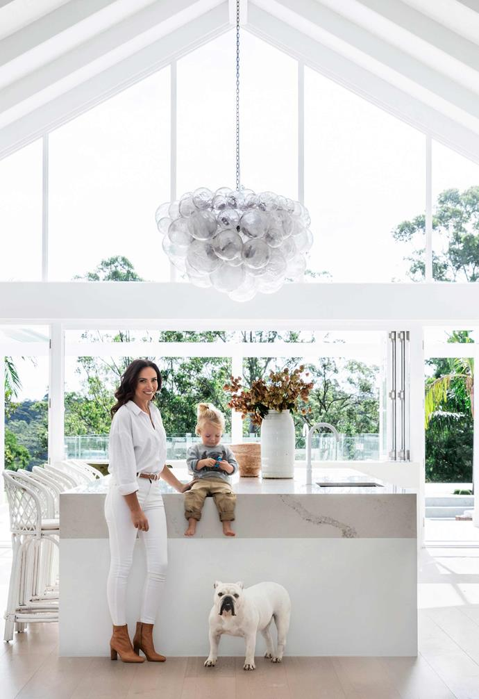 "What do you get when you pair a barn inspired home with coastal styling? Three Birds Renovations' Bonnie Hindmarsh combined the two aesthetics in the creation of [her family's forever home](https://www.homestolove.com.au/three-birds-bonnie-hindmarshs-modern-coastal-home-6802|target=""_blank""), and the end result is stunning."