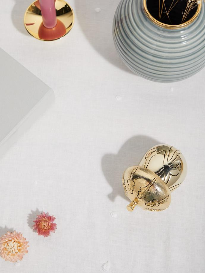"Aerin Acorn ornament, $379, [MatchesFashion](https://www.matchesfashion.com/au/products/Aerin-Acorn-ornament-1317867 target=""_blank"" rel=""nofollow"")"