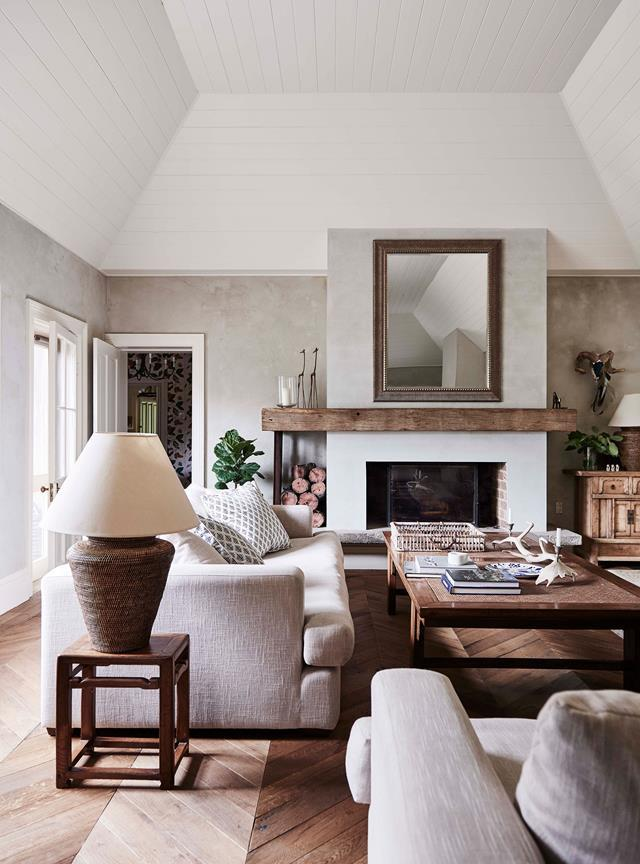 """The striking grandeur of this [historic homestead's](https://www.homestolove.com.au/mylora-homestead-binalong-nsw-20280