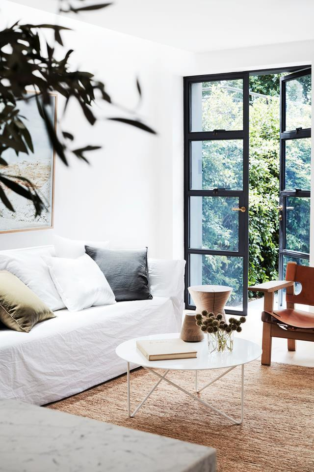 """The warm natural hues generating a sense of calm in this updated [terrace home](https://www.homestolove.com.au/a-revamped-sydney-terrace-with-a-tranquil-aesthetic-19031