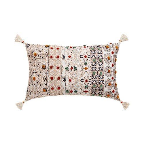 "Taza earth cushion, $59.99, [Adairs](https://www.adairs.com.au/homewares/cushions/adairs/taza-earth-cushion/|target=""_blank""|rel=""nofollow"")"
