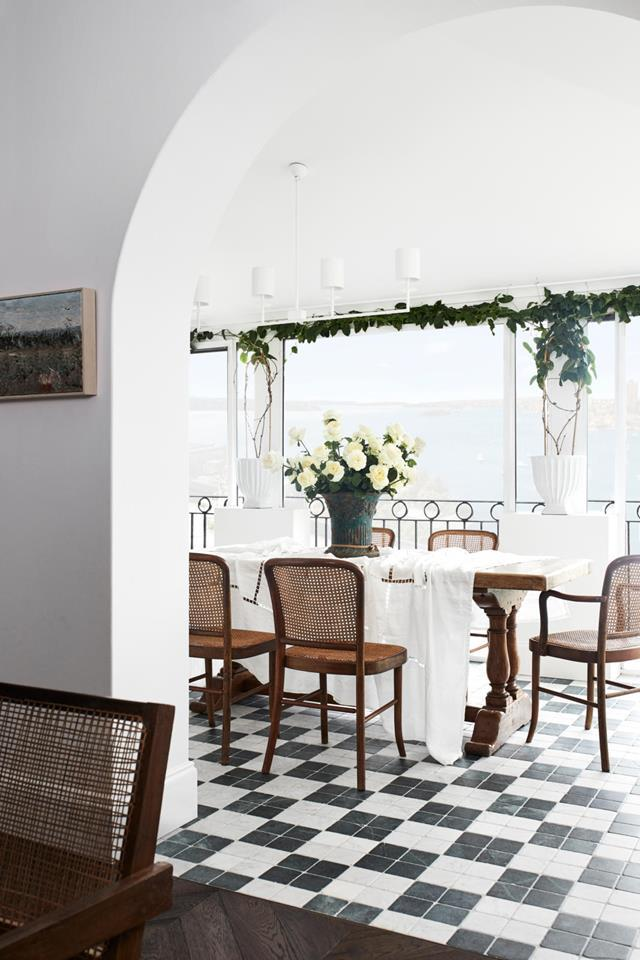 "Tasked with designing a warm, [welcoming home](https://www.homestolove.com.au/harbourside-apartment-with-mediterranean-inspired-interiors-21624|target=""_blank"") to suit her downsizing parents who love to entertain, Lucy Montgomery channelled a Mediterranean ambience that fits perfectly into the harbourside setting."