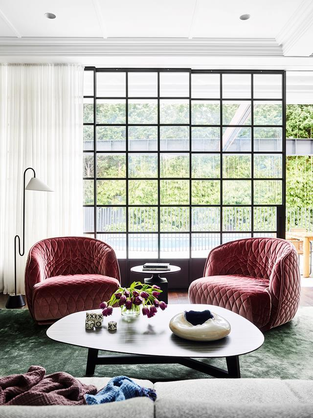 "With its rich, lustrous colours of ruby, emerald and sapphire, sheen and luscious textures, this [elegant home](https://www.homestolove.com.au/1920s-california-bungalow-glamorous-makeover-11905|target=""_blank"") updated by Alexandra Donohoe Church of Decus Interiors is like a jewellery box, packed with surprises and treats to tease the eye."