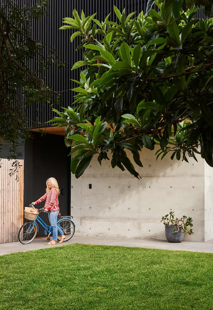 """**Exterior** Kara wanted the outside to be easy to maintain and give off clear sightlines from within the home, where the garden designed by [DMS Landscapes](https://dmslandscapes.com.au/