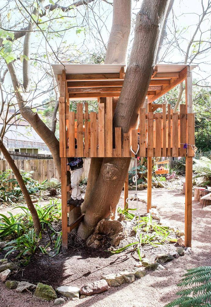 """The treehouse was built by landscape company [Quercus Gardens](https://www.quercusgardens.com.au/
