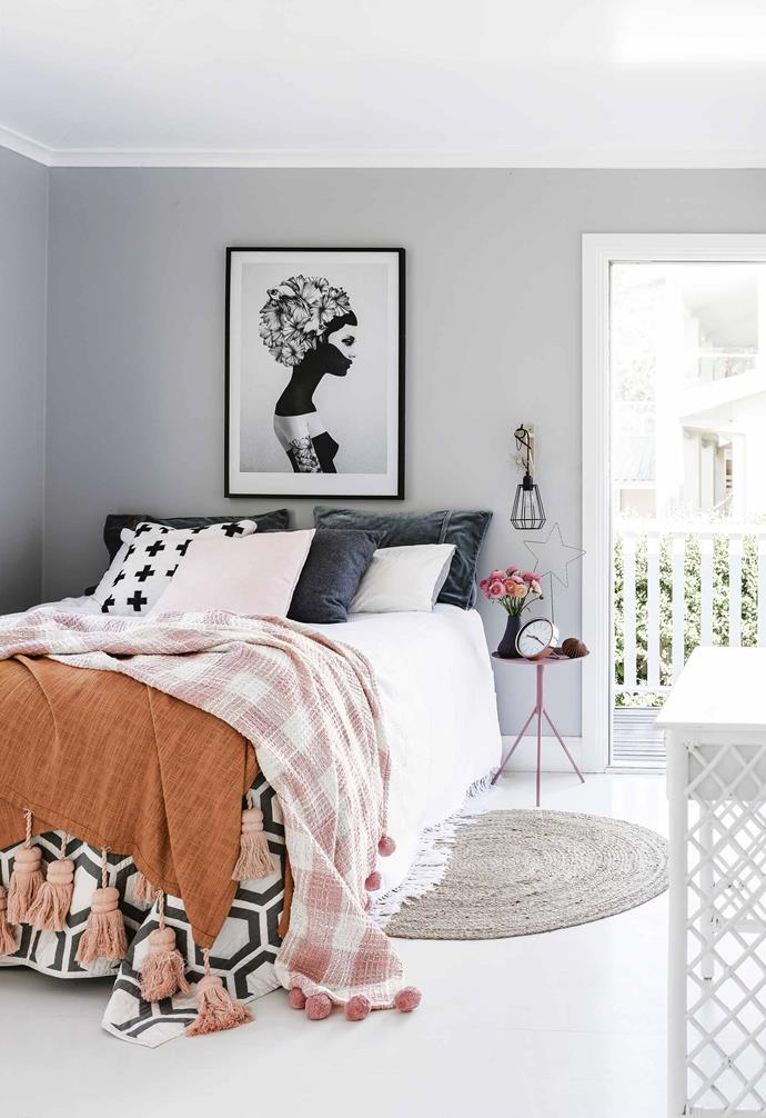 ">> Artwork and clever pops of colour are a vibrant touch throughout this [coastal farmhouse](https://www.homestolove.com.au/coastal-farmhouse-thirroul-17691|target=""_blank"")."