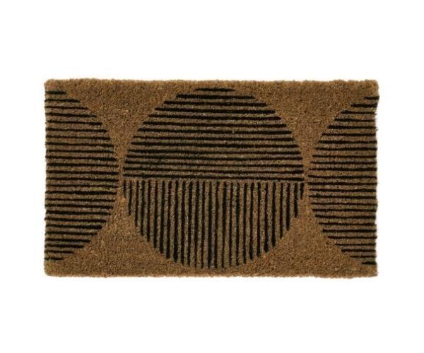 """Spot doormat, $49.99, [Linen House](https://www.linenhouse.com/spot-outdoor-mat target=""""_blank"""" rel=""""nofollow"""")"""