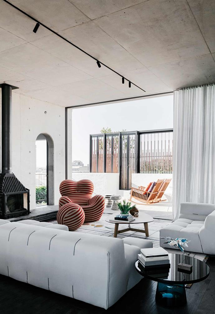 """This [rooftop Sydney apartment](https://www.homestolove.com.au/a-rooftop-sydney-apartment-and-garden-5877