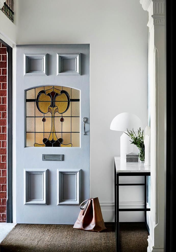 ">> [12 stunning small entryway ideas](https://www.homestolove.com.au/small-entryway-ideas-20252|target=""_blank"")."