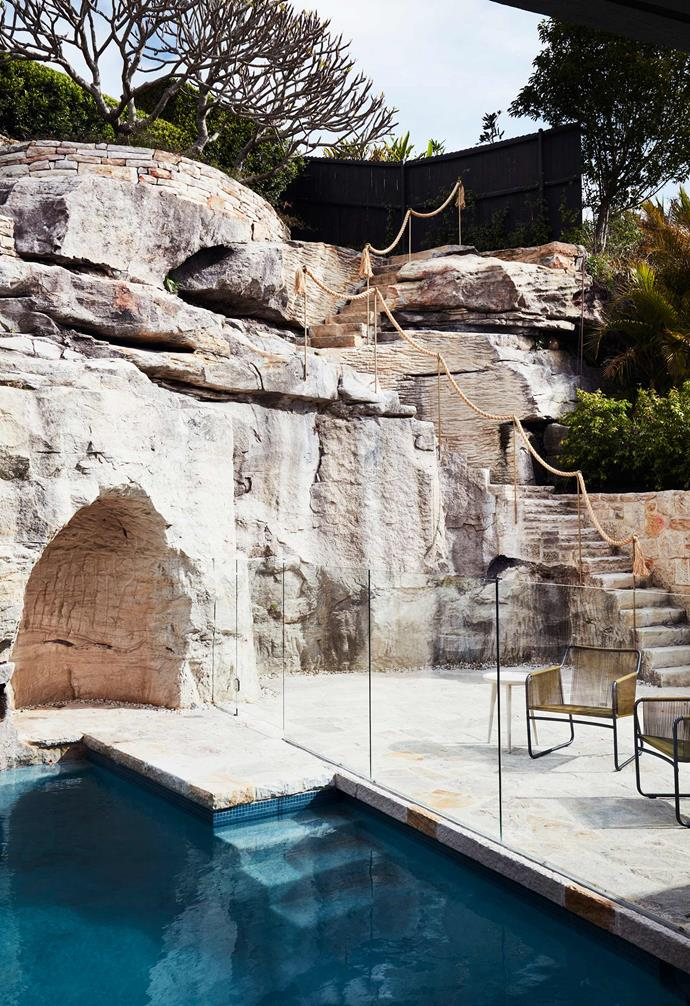 """If your home boasts stunning natural features, why not make the most of it? This [modern home designed by Luigi Rosselli](https://www.homestolove.com.au/a-stacked-house-in-harmony-with-its-cliff-side-location-6943