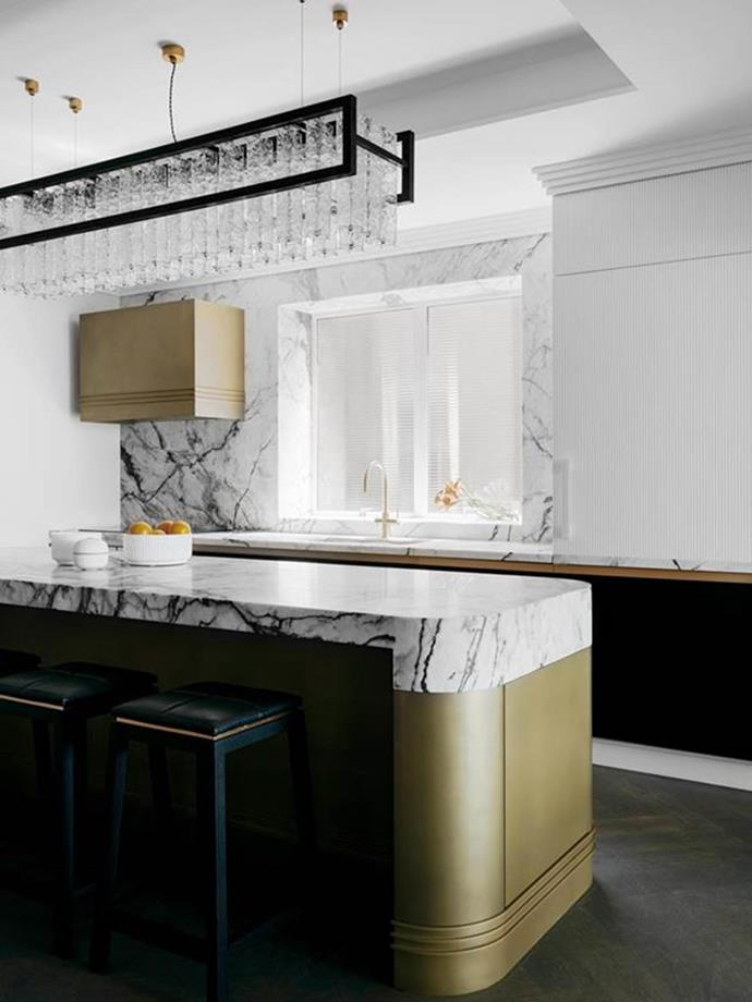 """Art deco elegance defines this kitchen within a glamorously restored [1930s apartment](https://www.homestolove.com.au/restored-1930s-apartment-21800