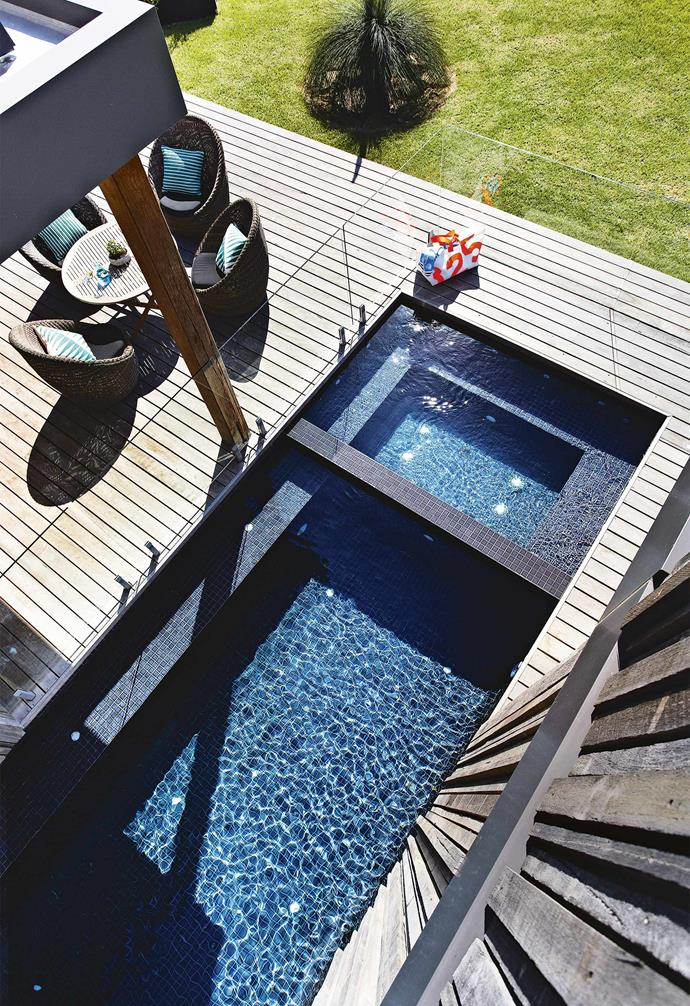 "Created by builder [David McDonald](http://www.davidmcdonaldbuilders.com.au/|target=""_blank""), the weekender boasts some seriously impressive architectural features while also happily catering for flexible family holiday living. David's insight into the owners' needs all came down to some inside information; the owner is his brother Peter.<br><br>**Deck** An ironbark deck and [lap pool](https://www.homestolove.com.au/pool-design-ideas-16976