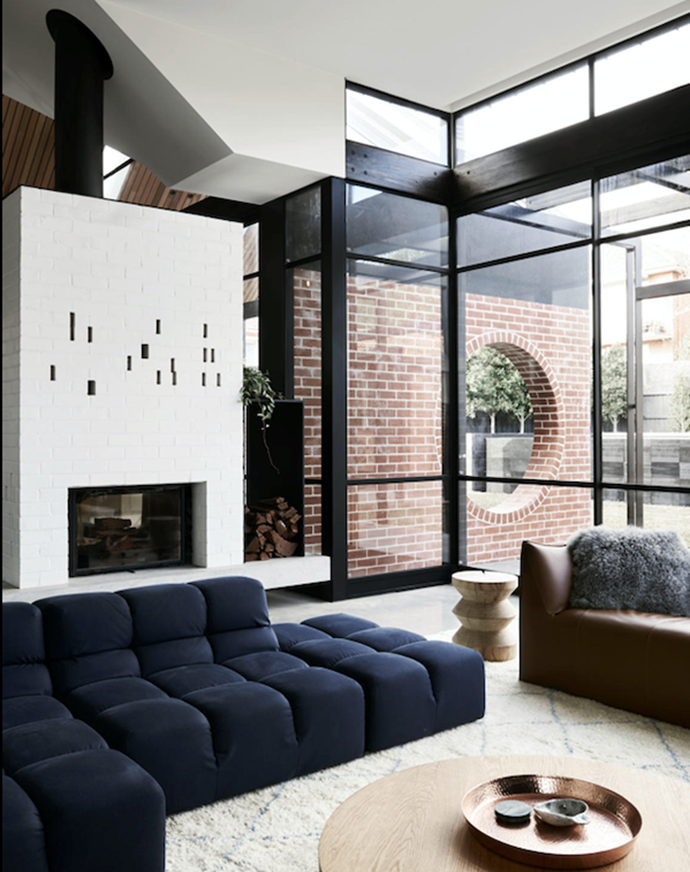 "This modular sofa from B&B Italia adds a dramatic highlight to the [living room](https://www.homestolove.com.au/winter-ready-living-rooms-21383|target=""_blank"") in this [revived Edwardian home](https://www.homestolove.com.au/revived-edwardian-home-with-contemporary-extension-21325