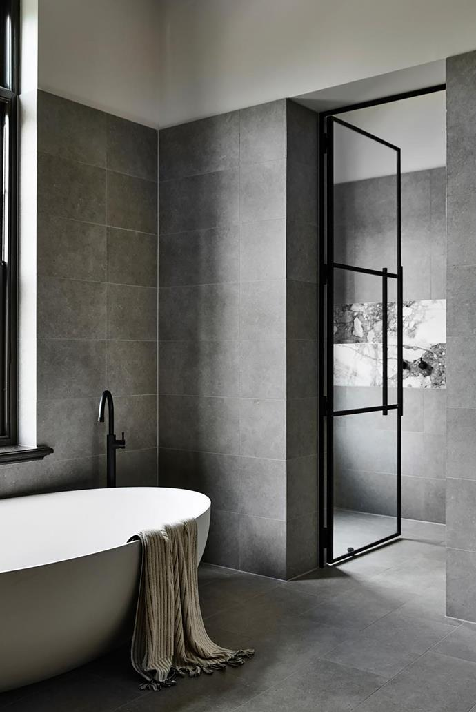 A simple palette of materials appears in the main ensuite such as the handmade Moroccan wall tiles from Tiles of Ezra.