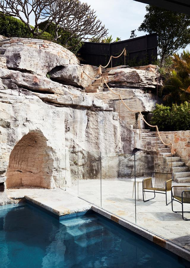 """Architect Luigi Rosselli embraced the natural sandstone rock face and shelf and made it part of this [coastal home's](https://www.homestolove.com.au/a-stacked-house-in-harmony-with-its-cliff-side-location-6943