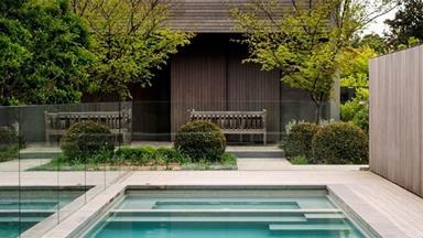 10 stunning swimming pools