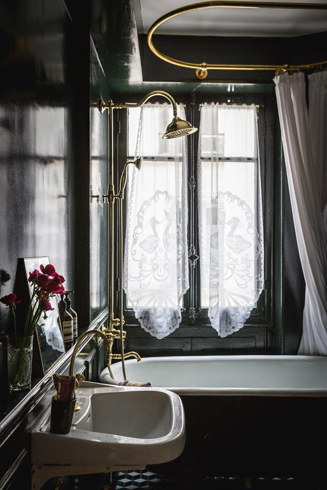"""""""Bathrooms are small spaces that can be luxurious,"""" said the owner of this [charming Parisian apartment](https://www.homestolove.com.au/classic-parisian-apartment-21721