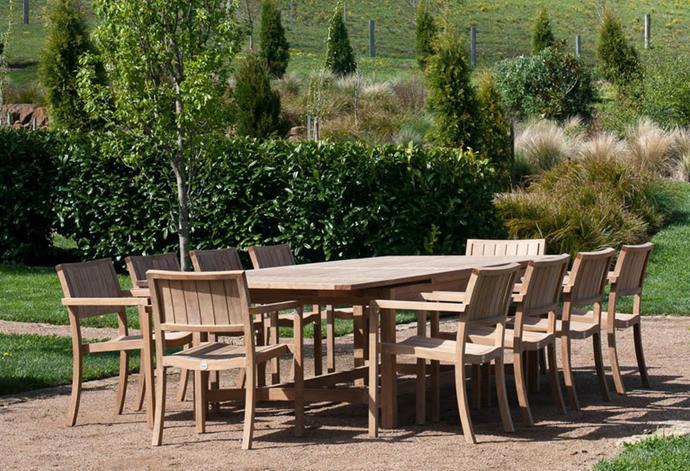 "New York outdoor dining set, POA, [Cotswold Furniture](https://cotswoldfurniture.com.au/en/product/new-york-armchair|target=""_blank""|rel=""nofollow"")"