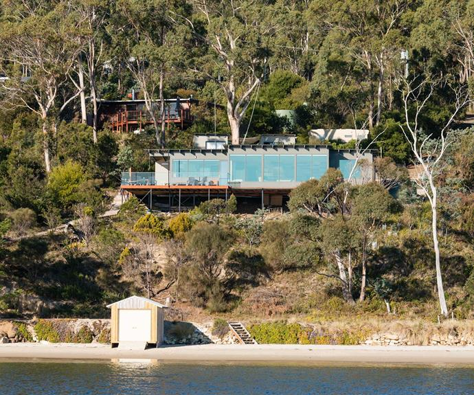 "**[No 41 Dennes Point, Bruny Island, TAS](https://www.stayz.com.au/holiday-rental/p9215276|target=""_blank""