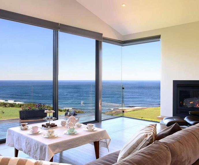"**[Elanora House, Gerroa, NSW](https://www.stayz.com.au/holiday-rental/p9123011|target=""_blank""
