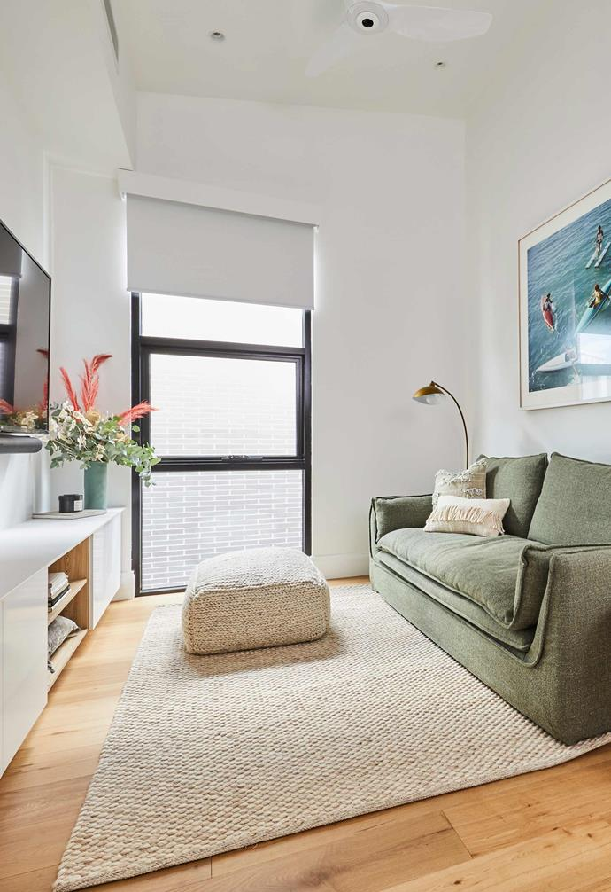"**[Week 8, Upstairs Living and Bedroom](https://www.homestolove.com.au/the-block-2020-upstairs-living-and-bedrooms-21928|target=""_blank"")** For their upstairs entertaining zone, Jimmy and Tam opted for a comfy green sofa to pair with a generous television and media console. Unfortunately the space didn't manage to impress with judges, with Shaynna noting, ""This is a couple that has loads of money and I'm actually looking at this going, ""'So where have the spent it?'"""