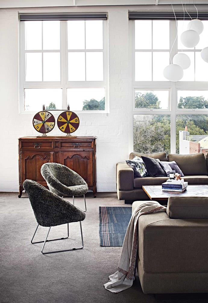 """**Neutral zone** An inviting variety of seating options sets the tone in the sitting room. The custom-made sofas are by  [Jardan](https://www.jardan.com.au/