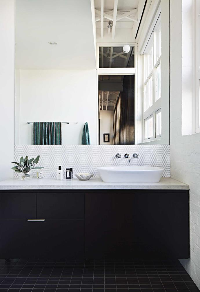 """**Modern classic** A timeless [black-and-white palette](https://www.homestolove.com.au/how-to-master-a-monochrome-decor-scheme-5867