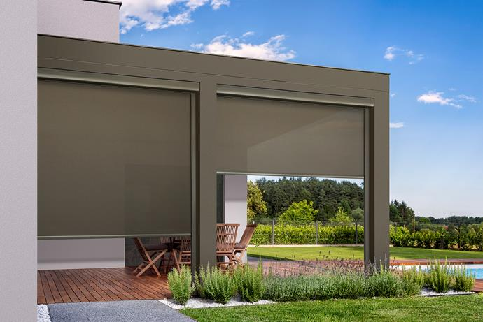 Straight Drop awnings run perpendicular to the ground making them similar in look and feel to blinds. It gives an outdoor space a clean, modern look and offers privacy and sun protection.