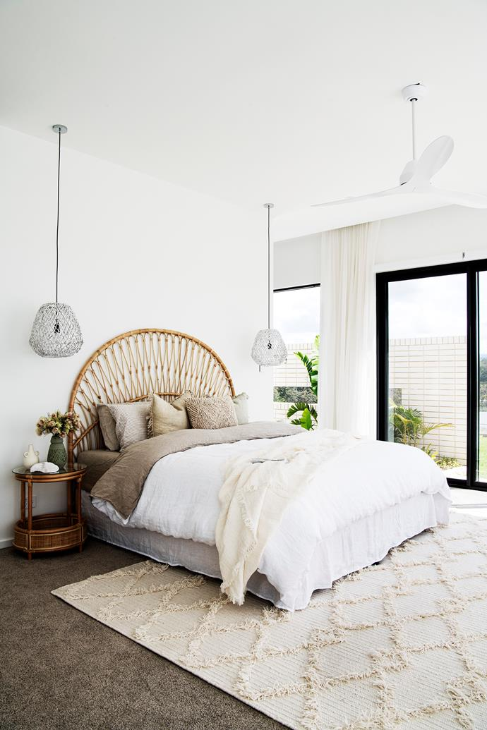"""One of my favourite things is waking up to see the sunrise from my bed every morning, "" says Sarah. ""I don't mind getting up early now!"" The palette is especially soothing in her private retreat, where the bed has been dressed invitingly in [French linen sheet](https://www.homestolove.com.au/buyers-guide-to-bed-linen-2562