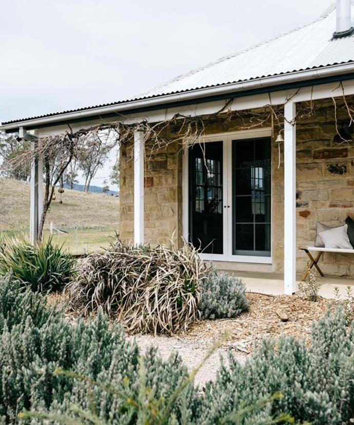 "**[Warramba in Glen Alice, NSW](https://www.airbnb.com.au/rooms/31363667/photos?source_impression_id=p3_1604462483_GTbU25yP0n7Tvm4D|target=""_blank""