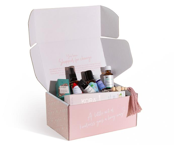 "**Oil in Kind** For the friend or family member [who loves to treat themselves](https://www.homestolove.com.au/christmas-pamper-gifts-17599|target=""_blank""), the *In Kind Box* from [Oil In Kind](https://oilinkind.com/