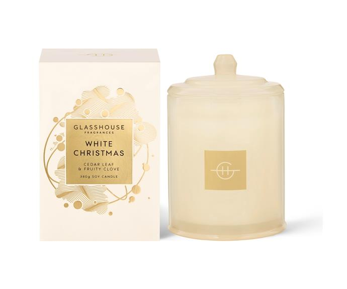 """White Christmas candle, $ 54.95, [Glasshouse Fragrances](https://www.glasshousefragrances.com/products/380g-candle-white-christmas?variant=32787027492948 target=""""_blank"""" rel=""""nofollow"""") <br><br> This celebratory candle combines cedar leaf, fruity clove, eucalyptus and pine to add a cold climate feel to festive celebrations."""