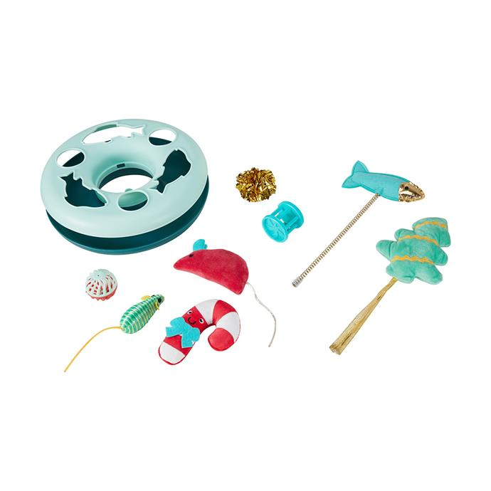 """Cat Christmas Toy Box, $8, [Kmart](https://www.kmart.com.au/product/cat-christmas-toy-box/3178340