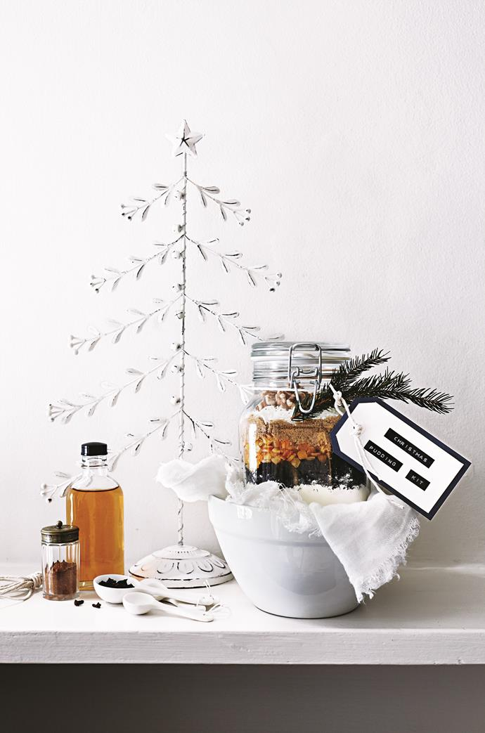 Decorate your jar with twine, gift tags and some festive foliage.