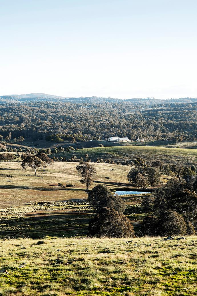 Nestled on the banks of the Yass River, Nguurruu is a working farm of 89 hectares on a former sheep station that had been held by one family for over a century.
