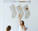 4 ways to bring Christmas cheer to your entryway