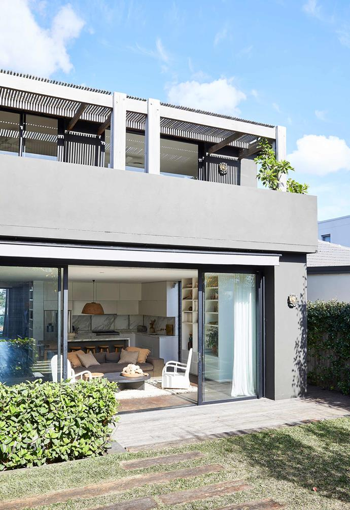 "**Exterior** Floor-to-ceiling glazed doors now open directly to the garden, creating an easy sense of flow between indoors and out. External walls are rendered and painted [Murobond](https://murobond.com.au/|target=""_blank""