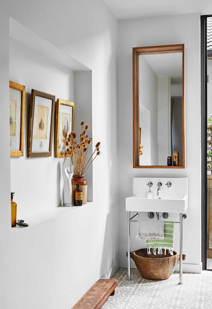 "**Powder room** Hanging gallery-like on the wall are framed photographs of Sarah's ancestors. Duravit 'Vero' sink, [Cass Brothers](https://www.cassbrothers.com.au/|target=""_blank""