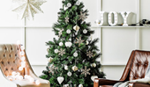 A stylist shares her top Christmas tree decorating tips