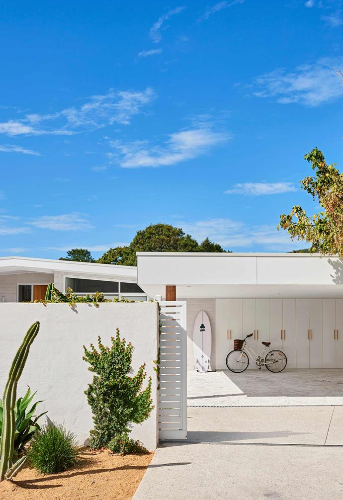 """**Driveway** """"I love the crazy paving at the front of the house,"""" says owner Sarah Hood. """"It finishes the space and creates a lot of curb appeal."""" Stone pavers from [Veneer Stone](https://veneerstone.com.au/