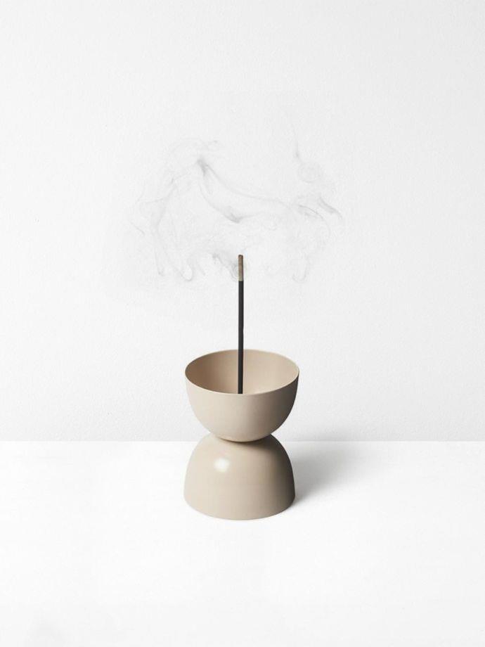 "Sand Essence Burner by Lightly, $40, [Aura Home](https://www.aurahome.com.au/lightly-essence-burner-sand|target=""_blank""|rel=""nofollow"")"