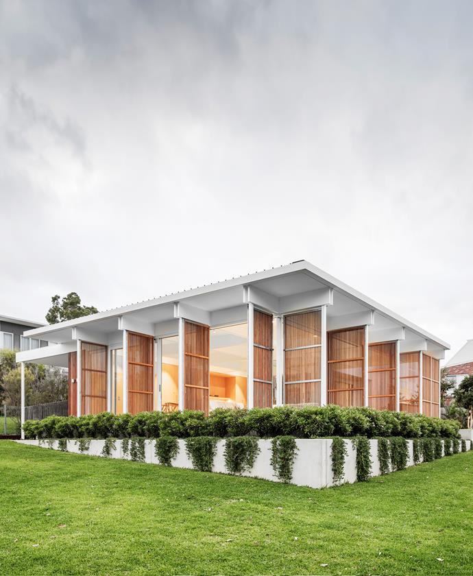 """Before Madeleine Blanchfield Architects arrived on scene, this home was a featureless, [1970s brick house](https://www.homestolove.com.au/mid-century-modern-eco-friendly-home-22190